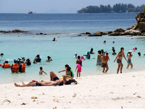 sapi-island-tourist-fun